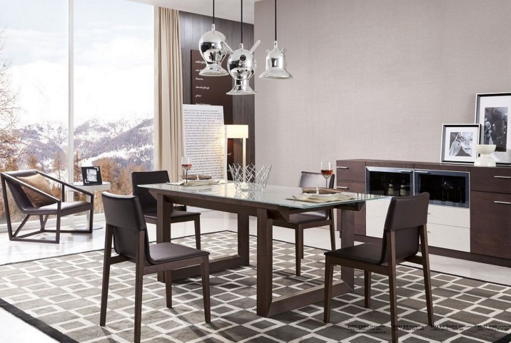 E537Y Extendable Rectangular Dining Room Set