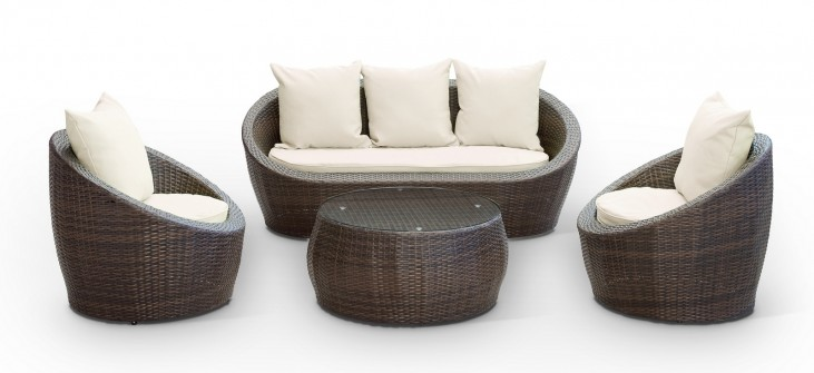Avo Outdoor Rattan 4 Piece Set in Brown with White Cushions