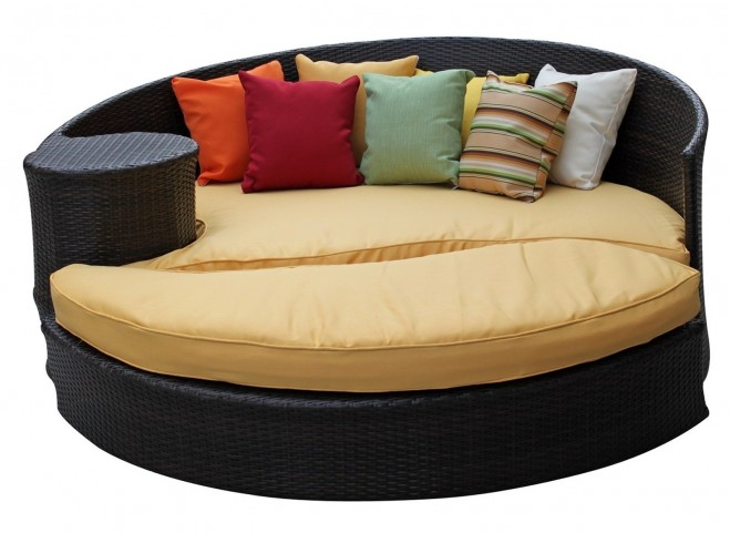 Taiji Outdoor Rattan Daybed W/Ottoman in Brown W/Orange Cushions
