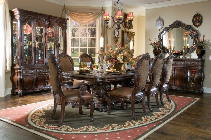 Essex Manor Dining Room Set