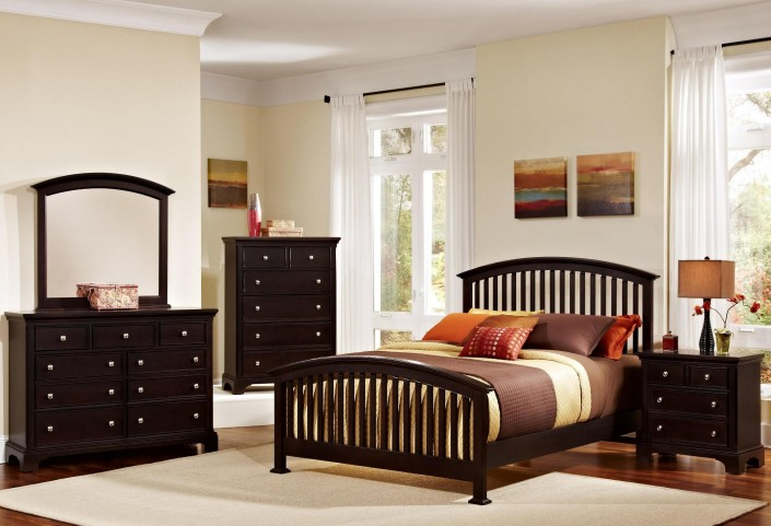 Forsyth Merlot Arched Bedroom Set
