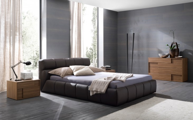 Cloud Brown Queen Leather Bed