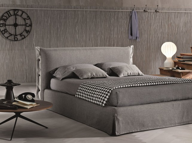 Giselle Queen Platform Storage Bed