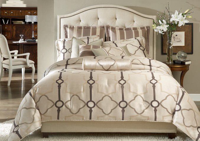Keystone Court King 10 Pcs Comforter Set