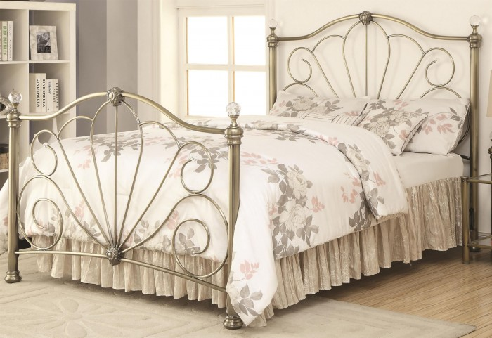 Lemoore Crystal Metal Queen Bed