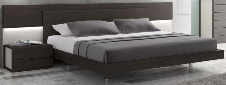 Maia Light Grey Lacquer Queen Platform Bed