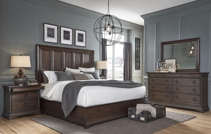 Lindale Brown Panel Bedroom Set