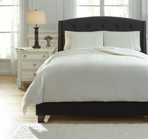 Bergden Ivory King Duvet Cover Set
