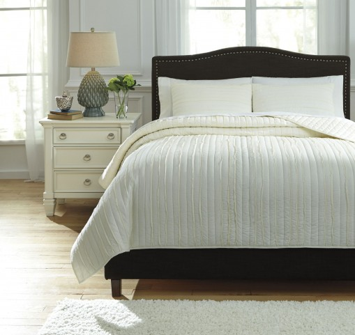 Solsta Ivory King Coverlet Set