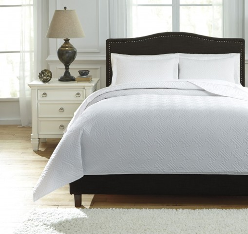 Aldis White Queen Coverlet Set