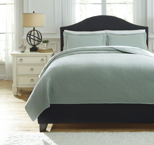 Bazek Sage Green Queen Coverlet Set