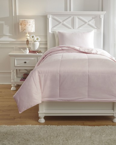 Plainfield Soft Pink Full Comforter Set