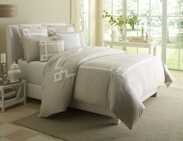 Simplicity Natural 7 piece Queen Duvet Set