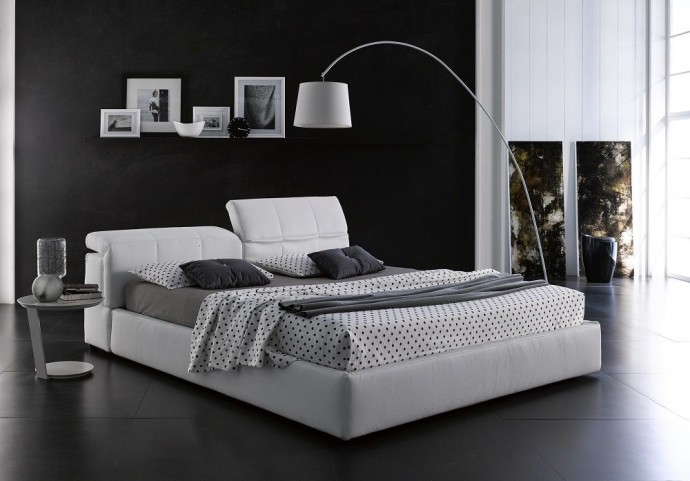 D718 Tower King Platform Storage Bed