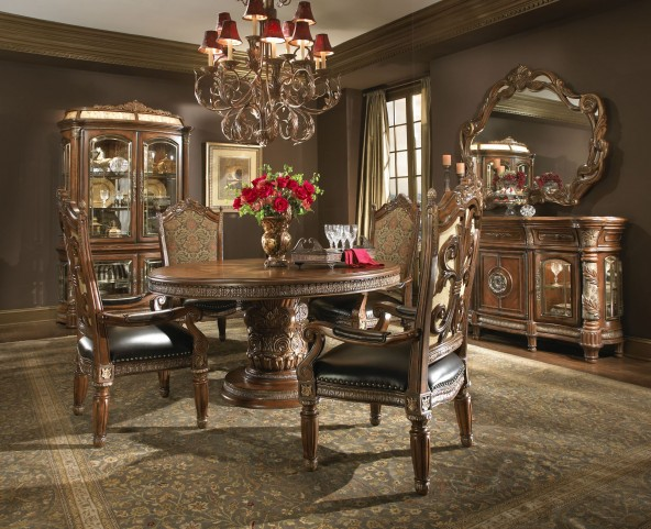 Villa Valencia Round Extendable Dining Room Set