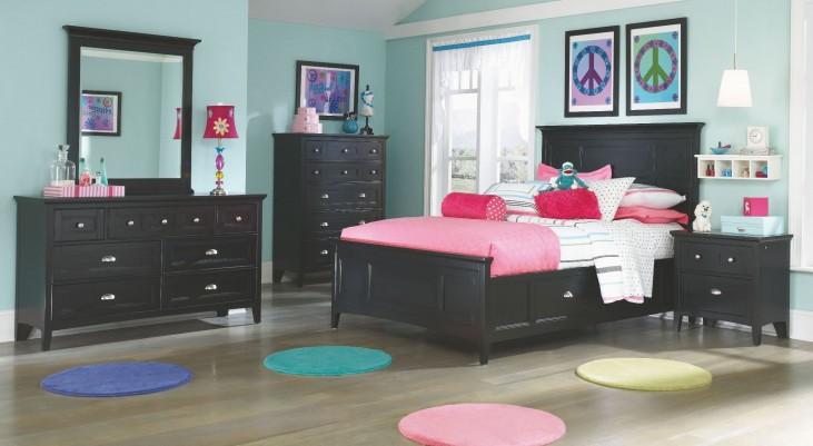 Bennett Panel Storage Bedroom Set