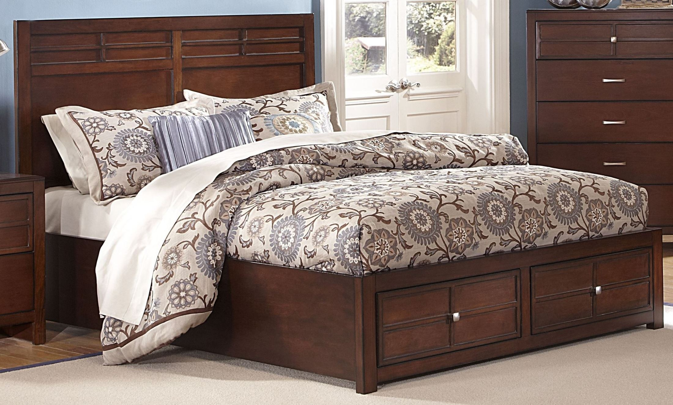 kensington burnished cherry cal king platform storage bed from new classics 00 060 210 228 230. Black Bedroom Furniture Sets. Home Design Ideas