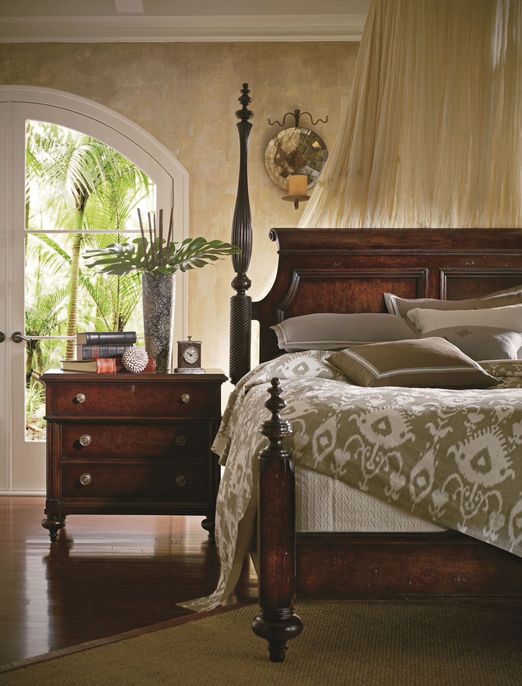 British Colonial Caribe Poster Bedroom Set From Stanley 020 63 42