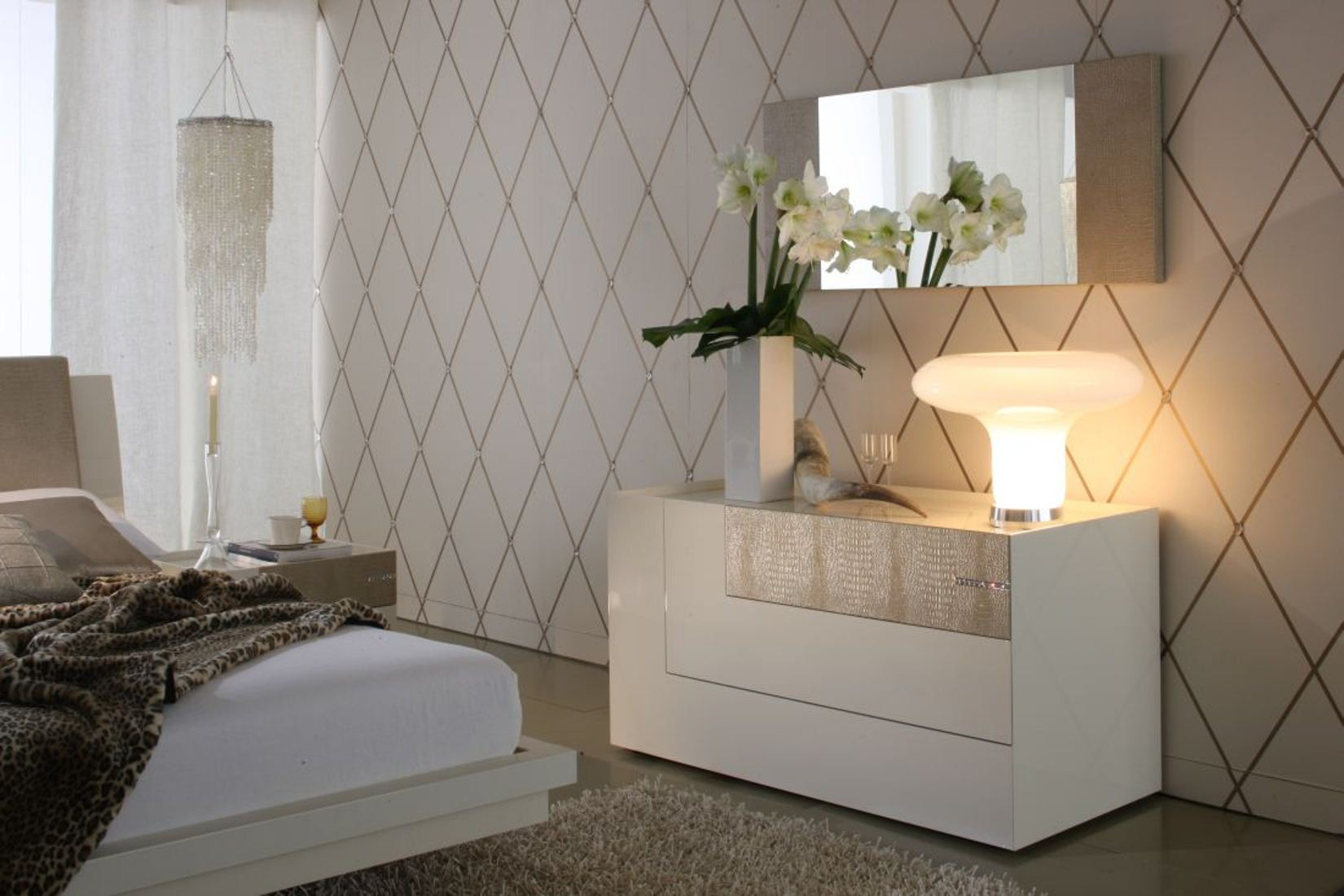 Diamond Ivory Bedroom Set From Rossetto T2666MM353054 Coleman Furniture