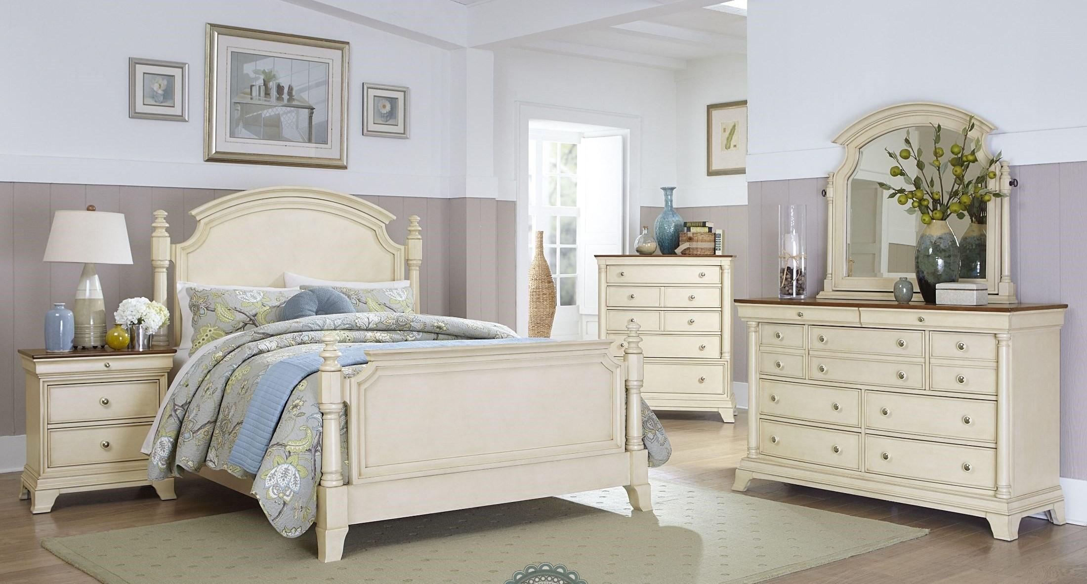 Inglewood White Poster Bedroom Set from Homelegance 1402W