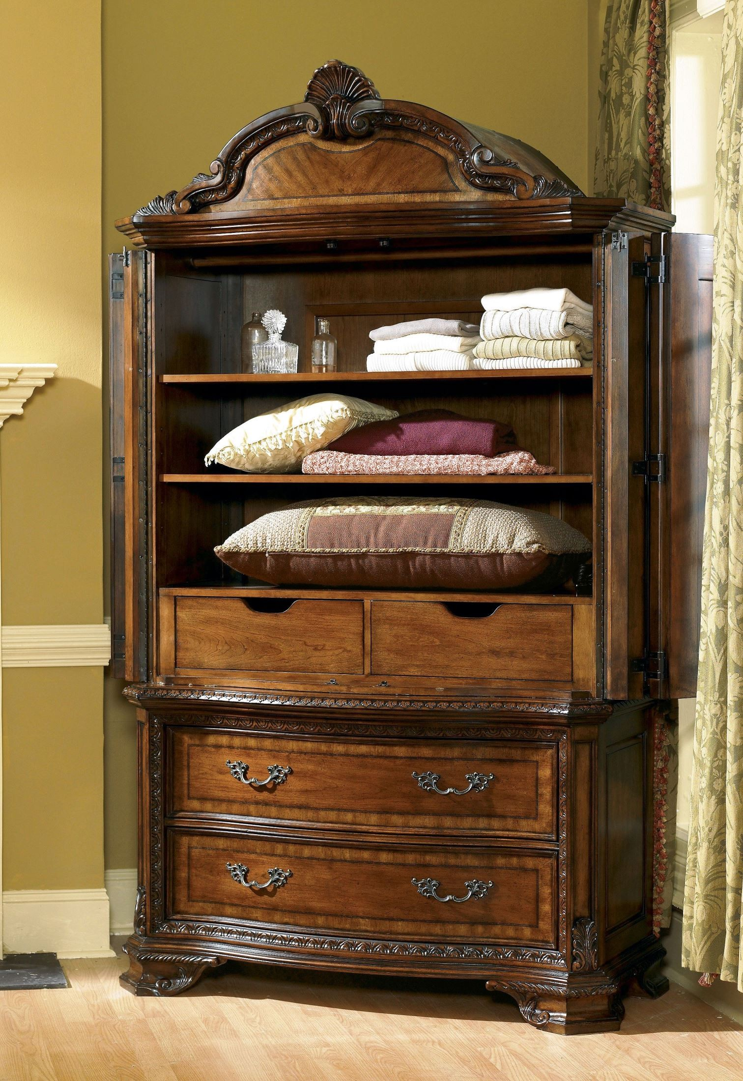 Old world armoire from art 143160 2606 coleman furniture for Old world furniture