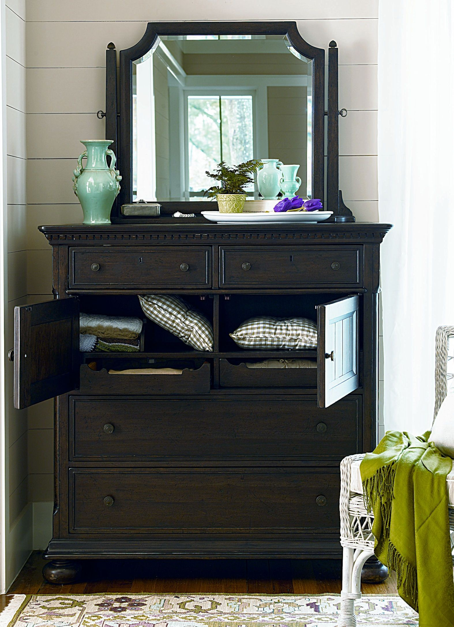 Down Home Molasses Aunt Peggy 39 S Bedroom Set From Paula