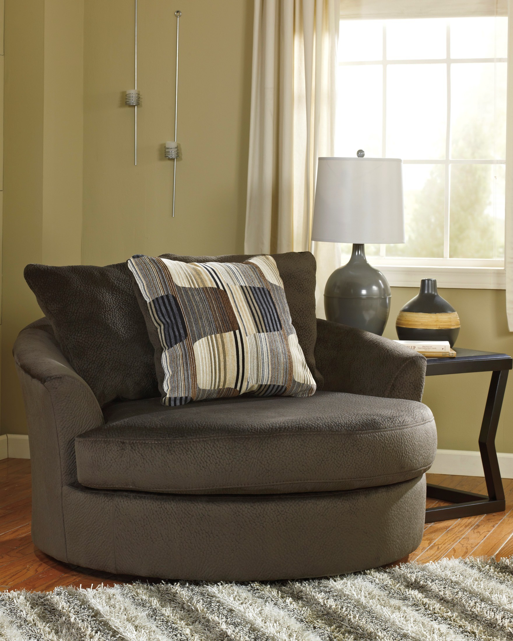 Westen chocolate oversized swivel accent chair for Oversized occasional chairs