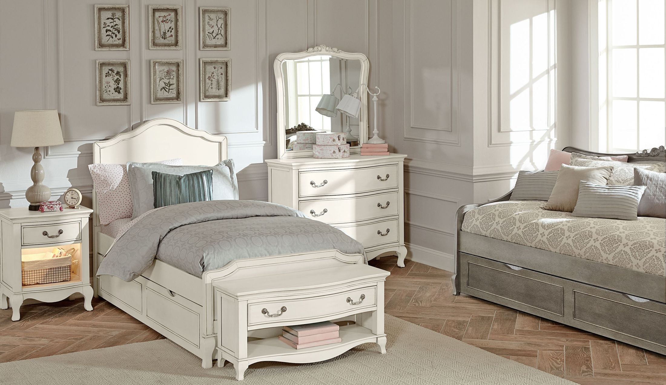 Kensington Antique White Charlotte Youth Panel Bedroom Set With Trundle 20010nt Ne Kids