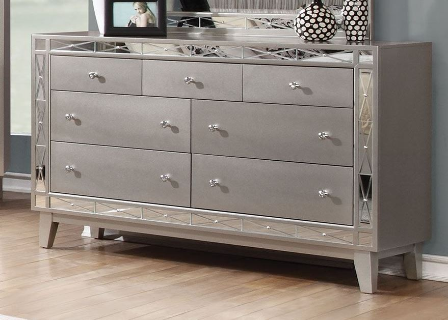 leighton metallic mercury queen panel bed 204921q