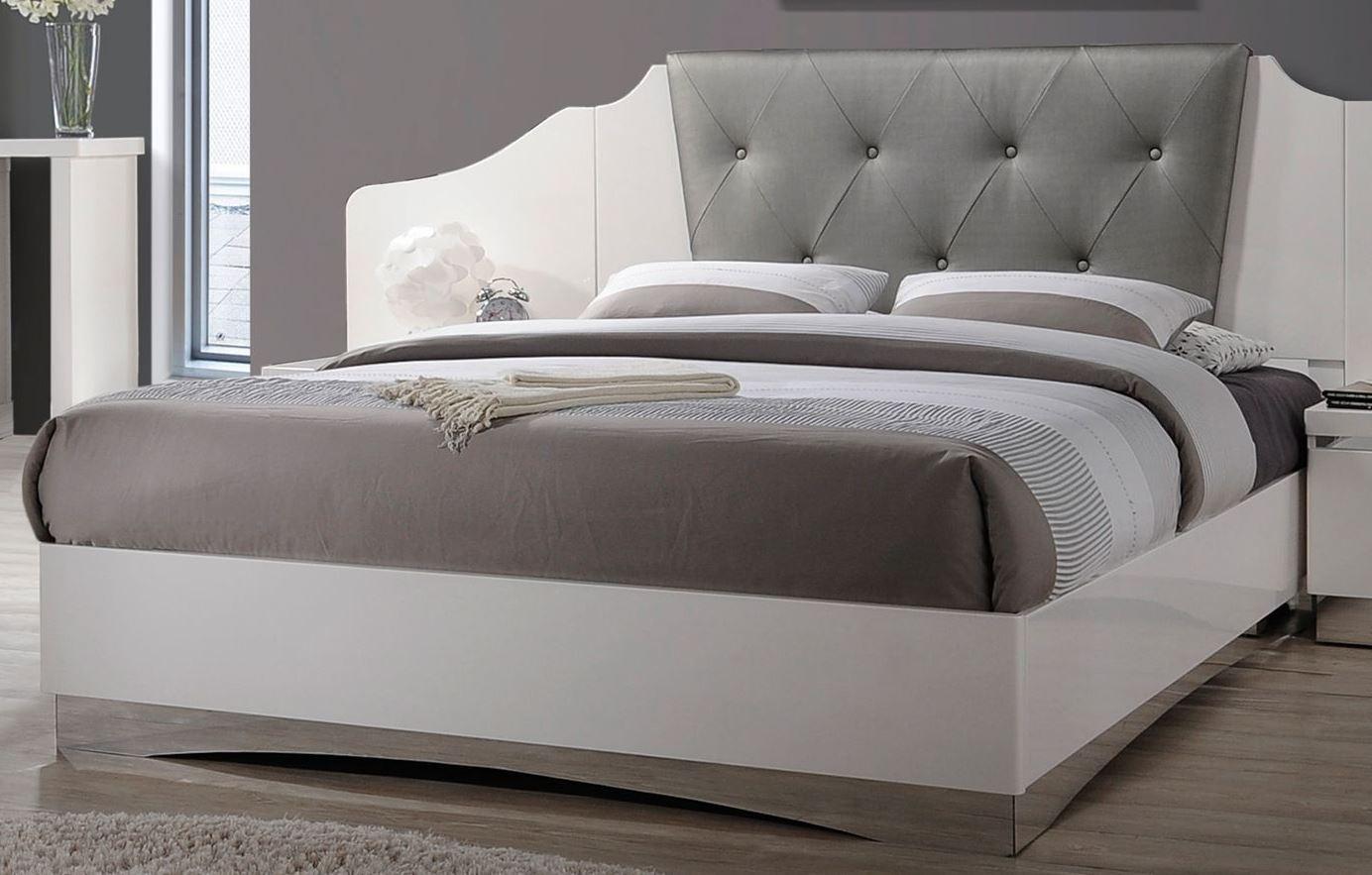 glossy white platform bedroom set 205001q coaster furniture