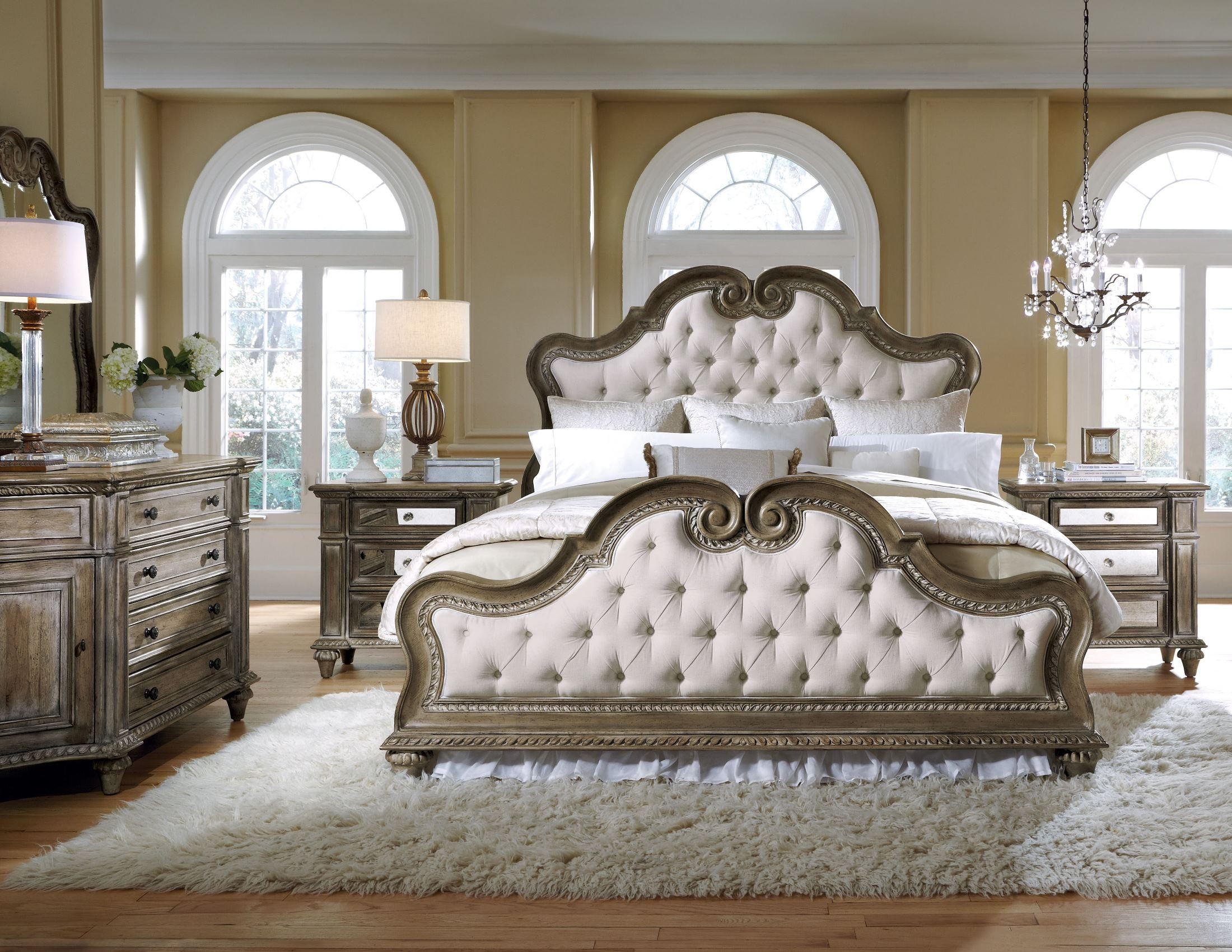 Arabella upholstered bedroom set from pulaski 211170 for Affordable furniture catalogue