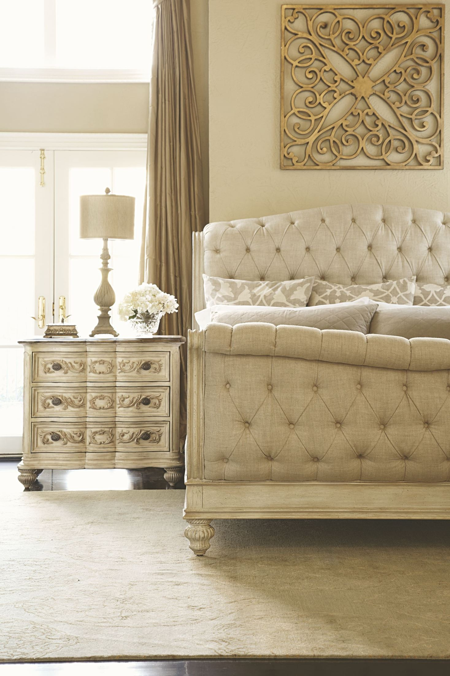 Jessica Mcclintock Boutique White Veil King Sleigh Bed