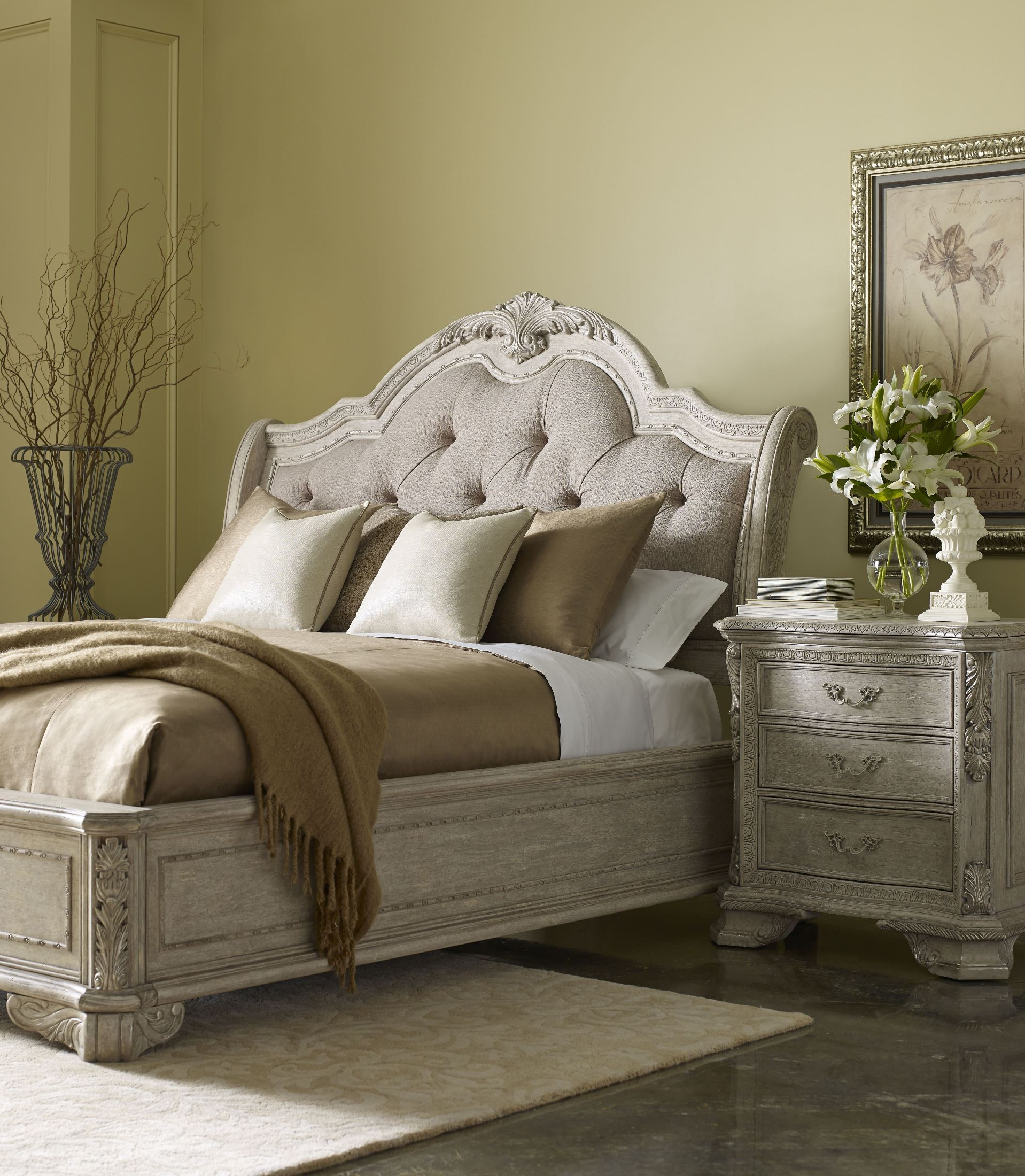 Renaissance Dove Grey Sleigh Upholstered Bedroom Set From