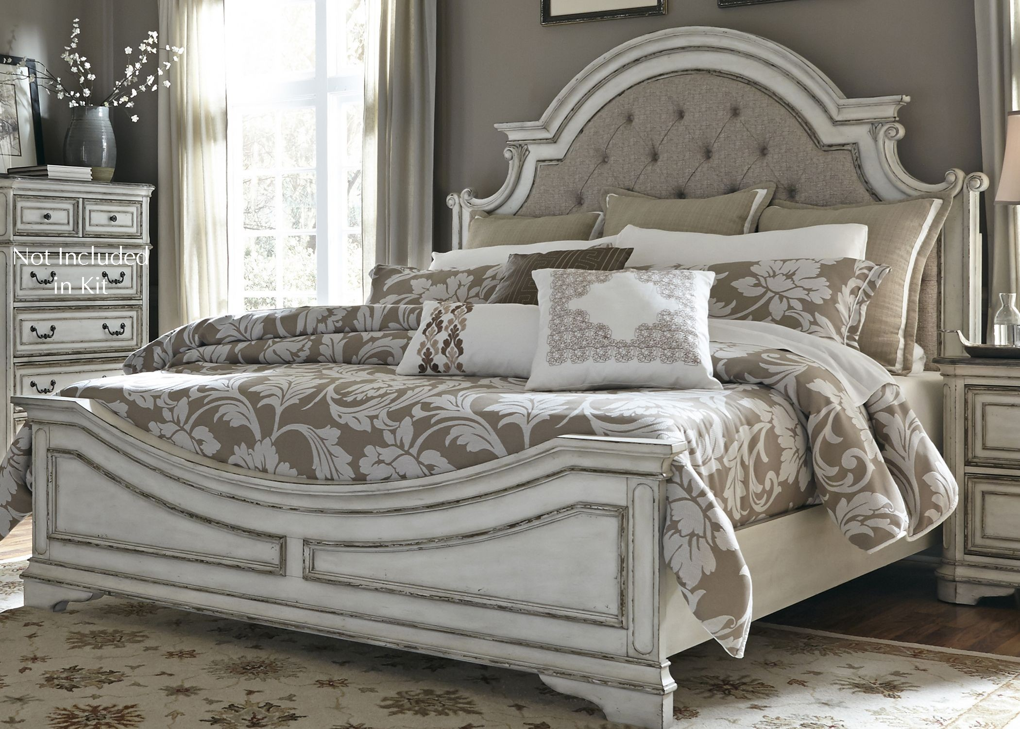 Magnolia manor antique white upholstered panel bedroom set for 3 6 bed