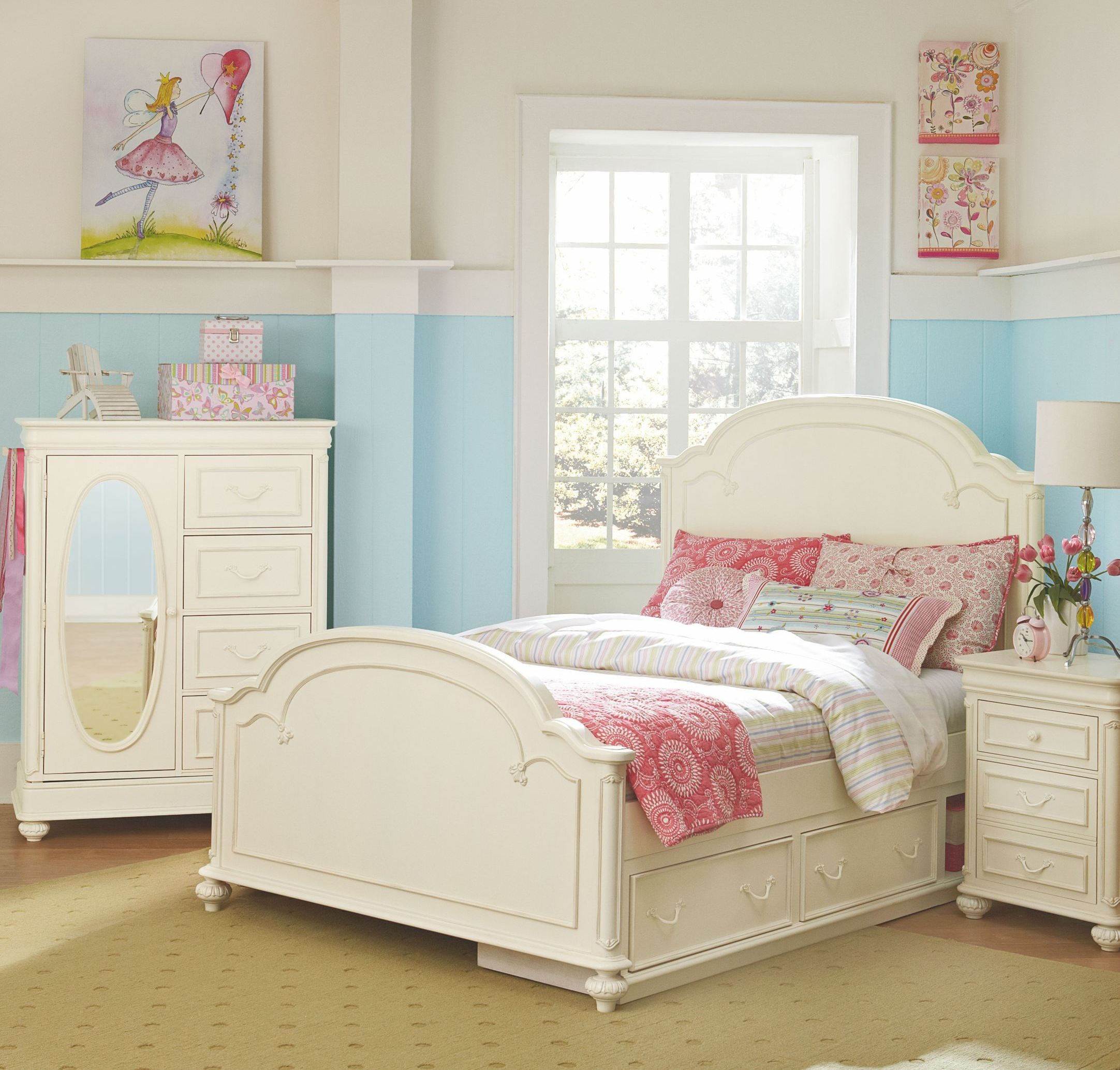 Bedroom Collection With Charlotte Youth Low Poster Bedroom Set