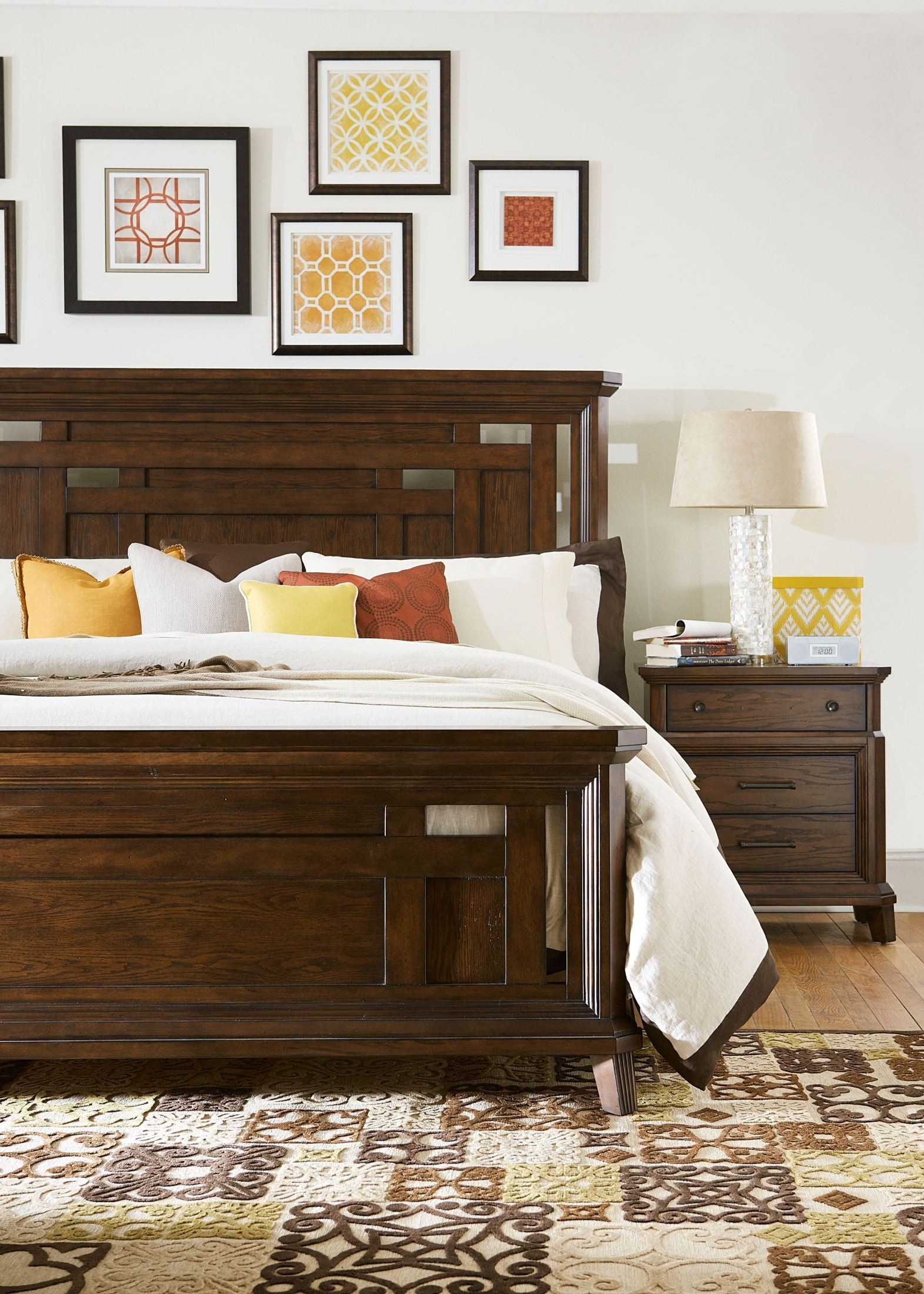 Estes Park Panel Bedroom Set From Broyhill 4364 250 251 450 Coleman Furniture