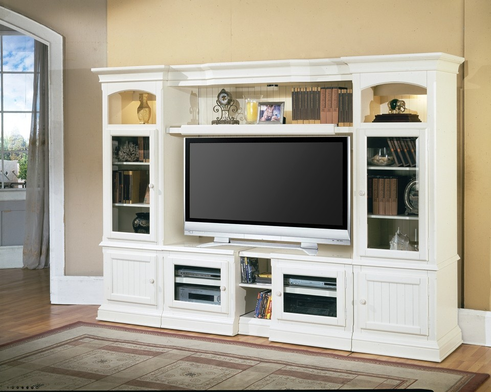 Hartford Expandable Entertainment Wall From Parker House