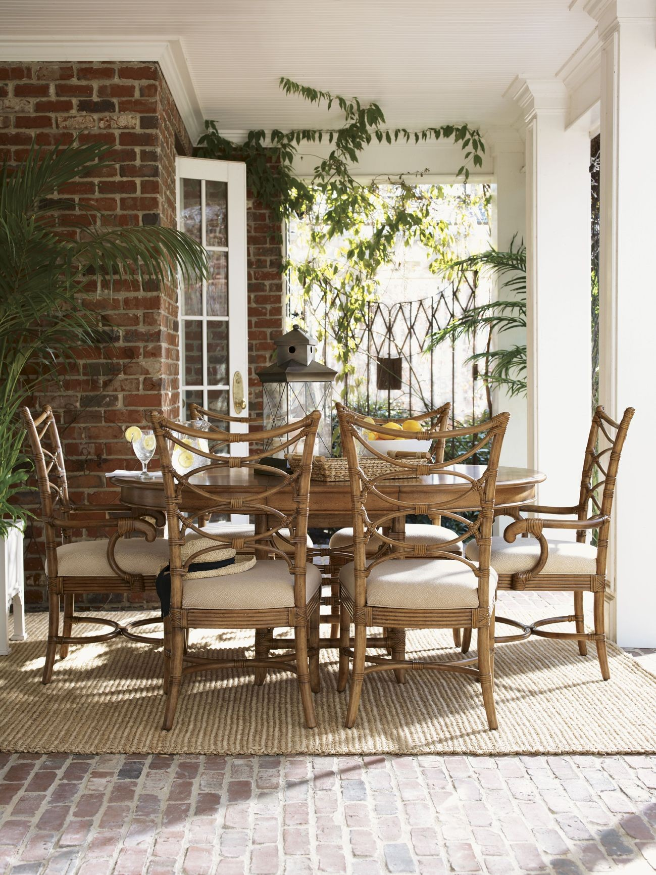 Beach house coconut grove extendable round dining table for Beach dining table