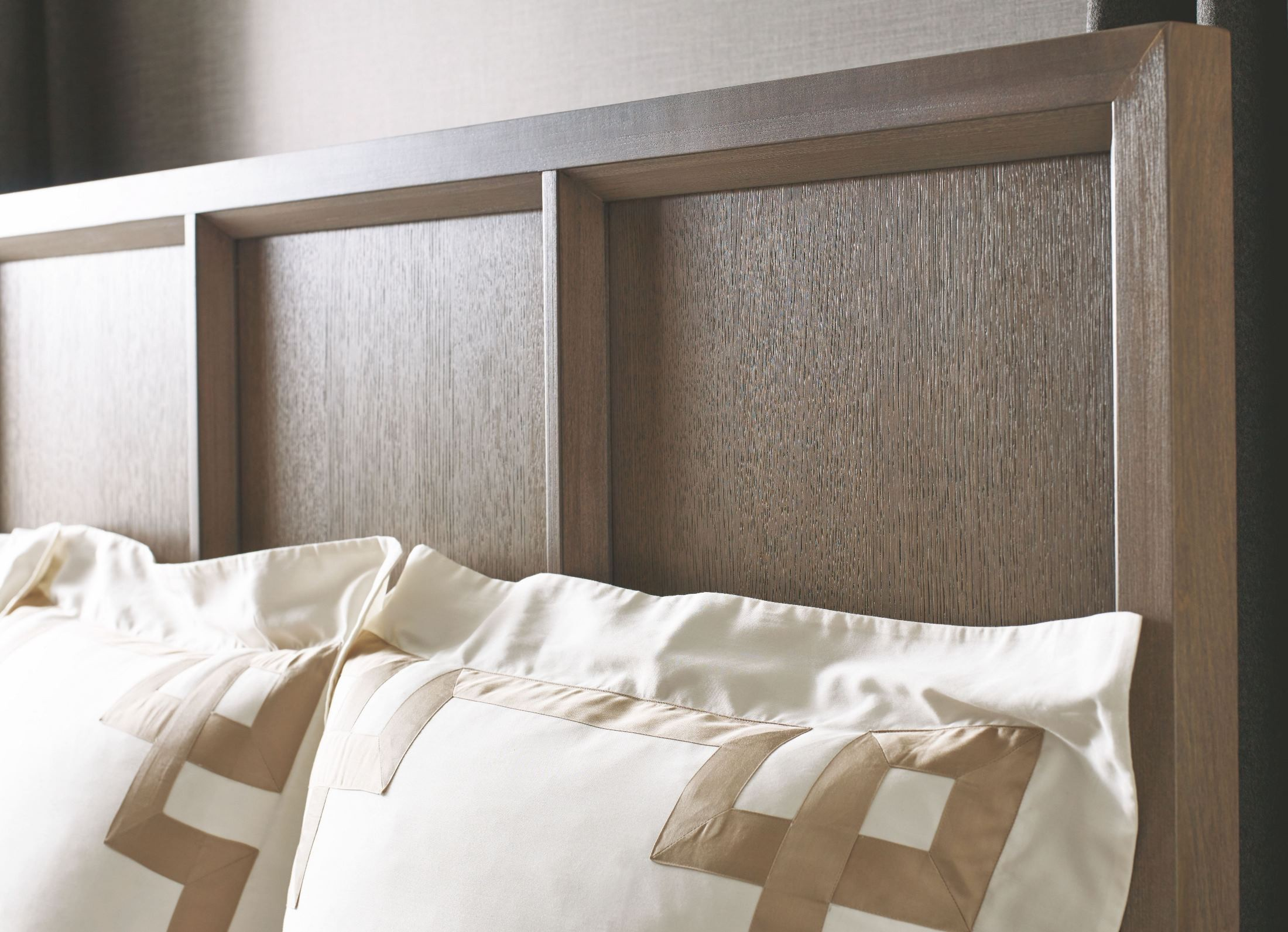 High Line Greige Panel Bedroom Set 6000 4105K Legacy Classic
