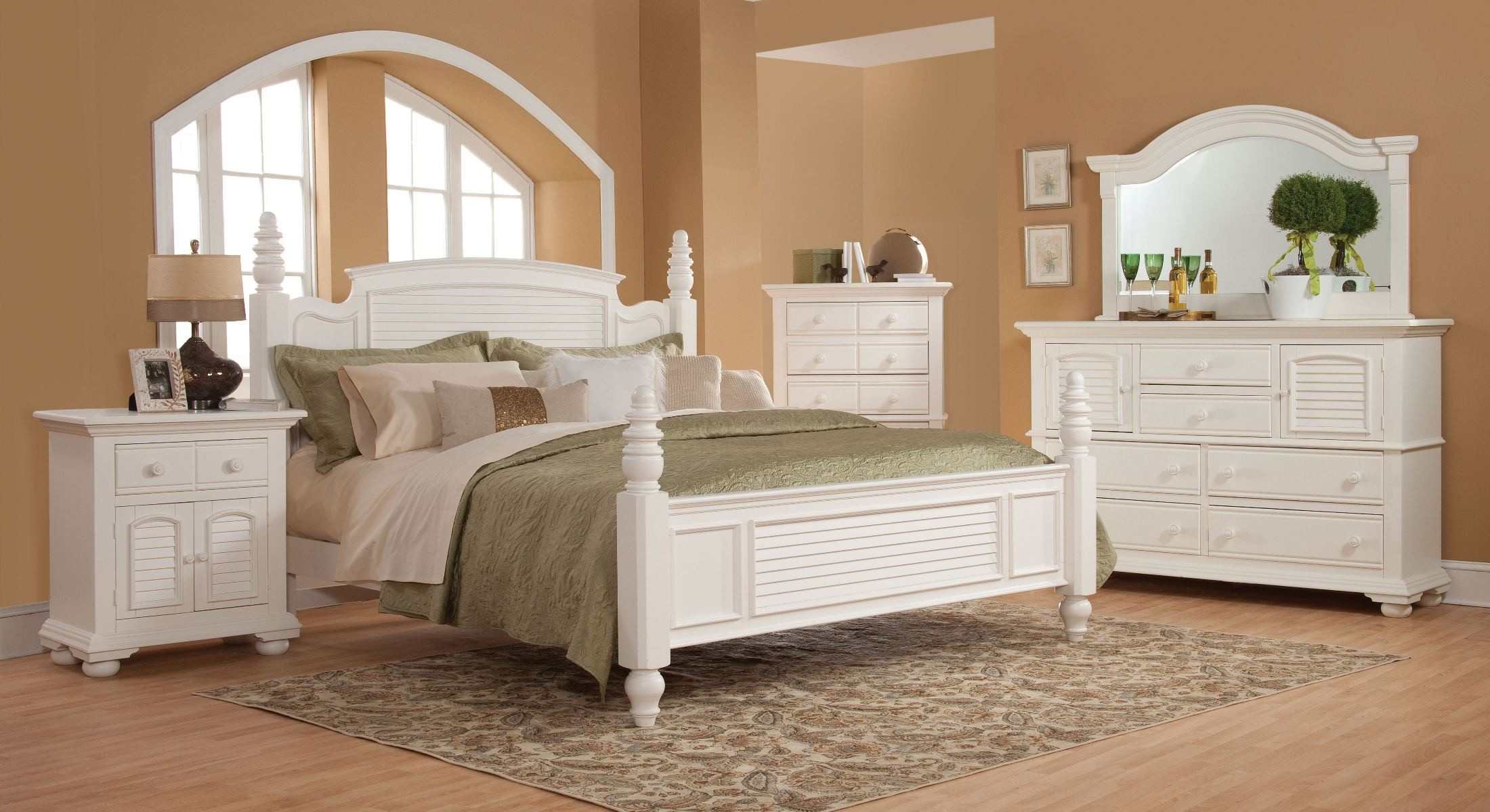 Cottage Traditions White Poster Bedroom Set 6510 50POS American Woodcrafter