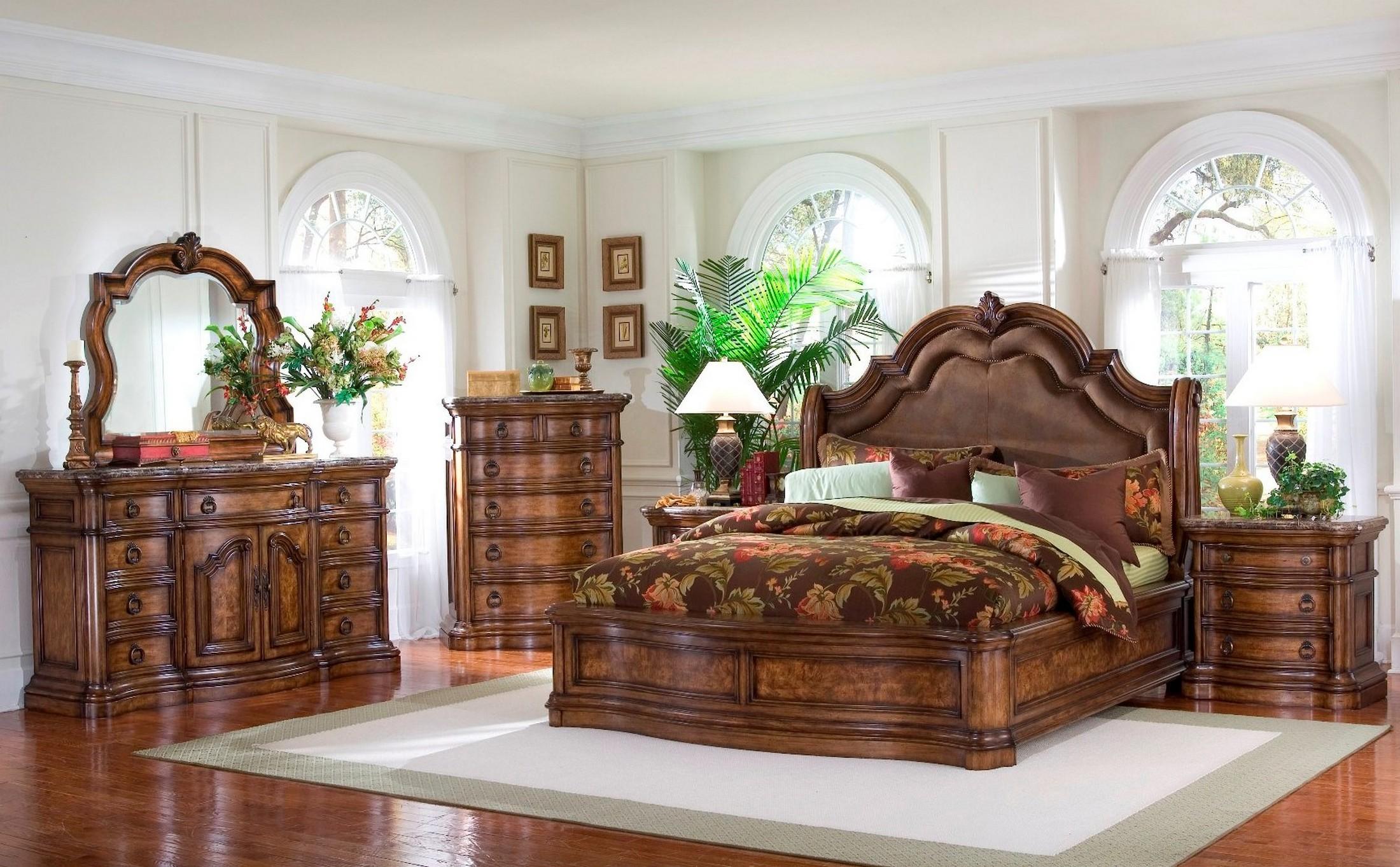 San Mateo Sleigh Bedroom Set From Pulaski 662170 662171 662172 Coleman Fu