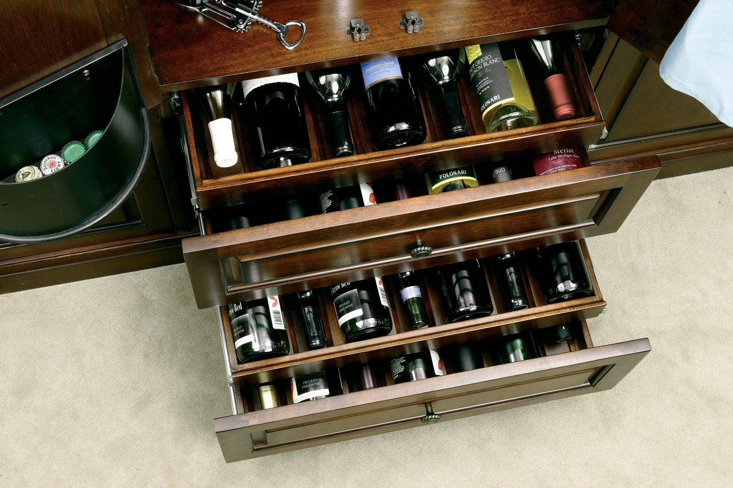 Bar Devino Wine Bar Cabinet From Howard Miller 695080