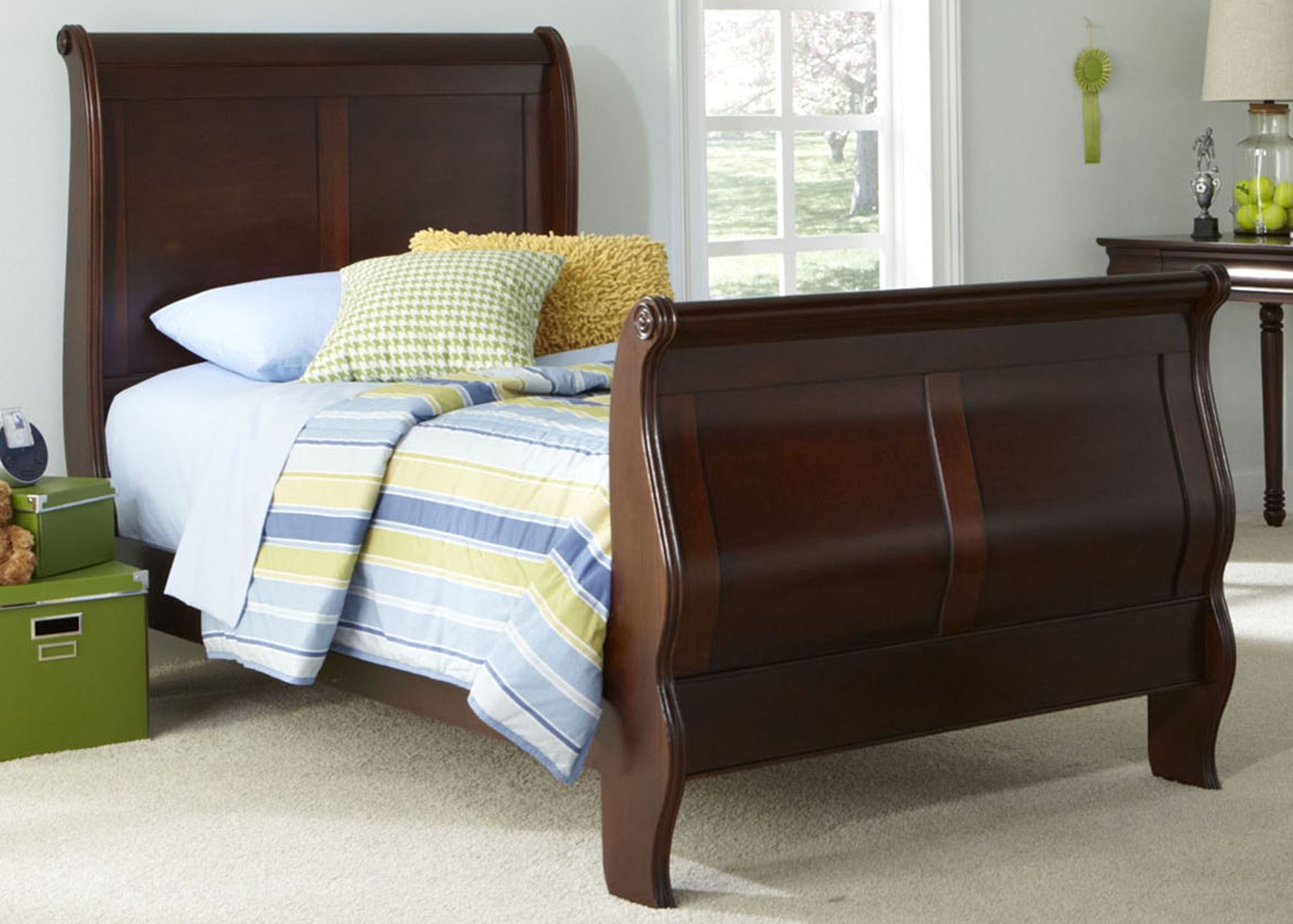 Carriage Court Twin Sleigh Bed From Liberty 709 Ybr Tsl