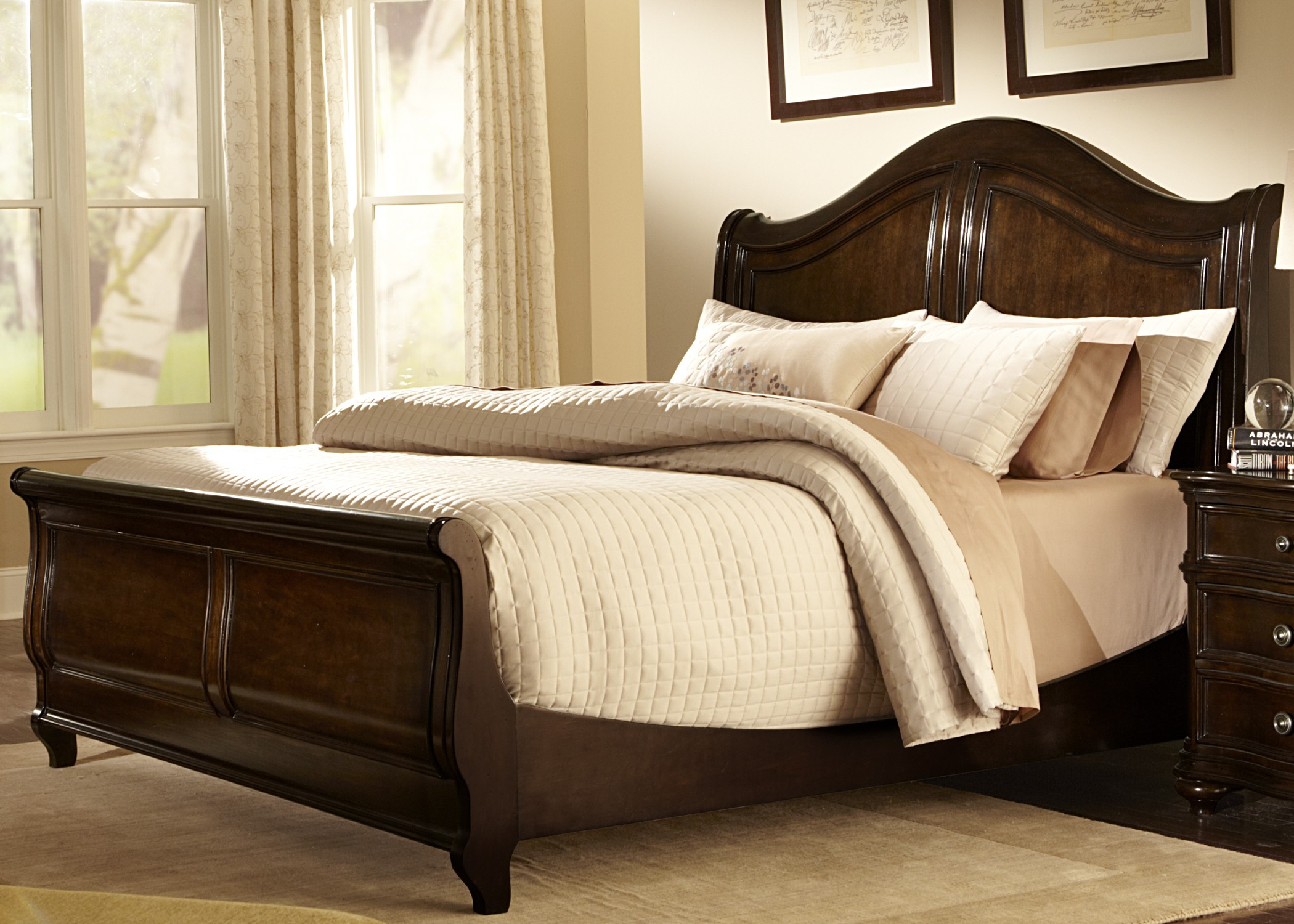 kingston plantation sleigh bedroom set 720 br qsl