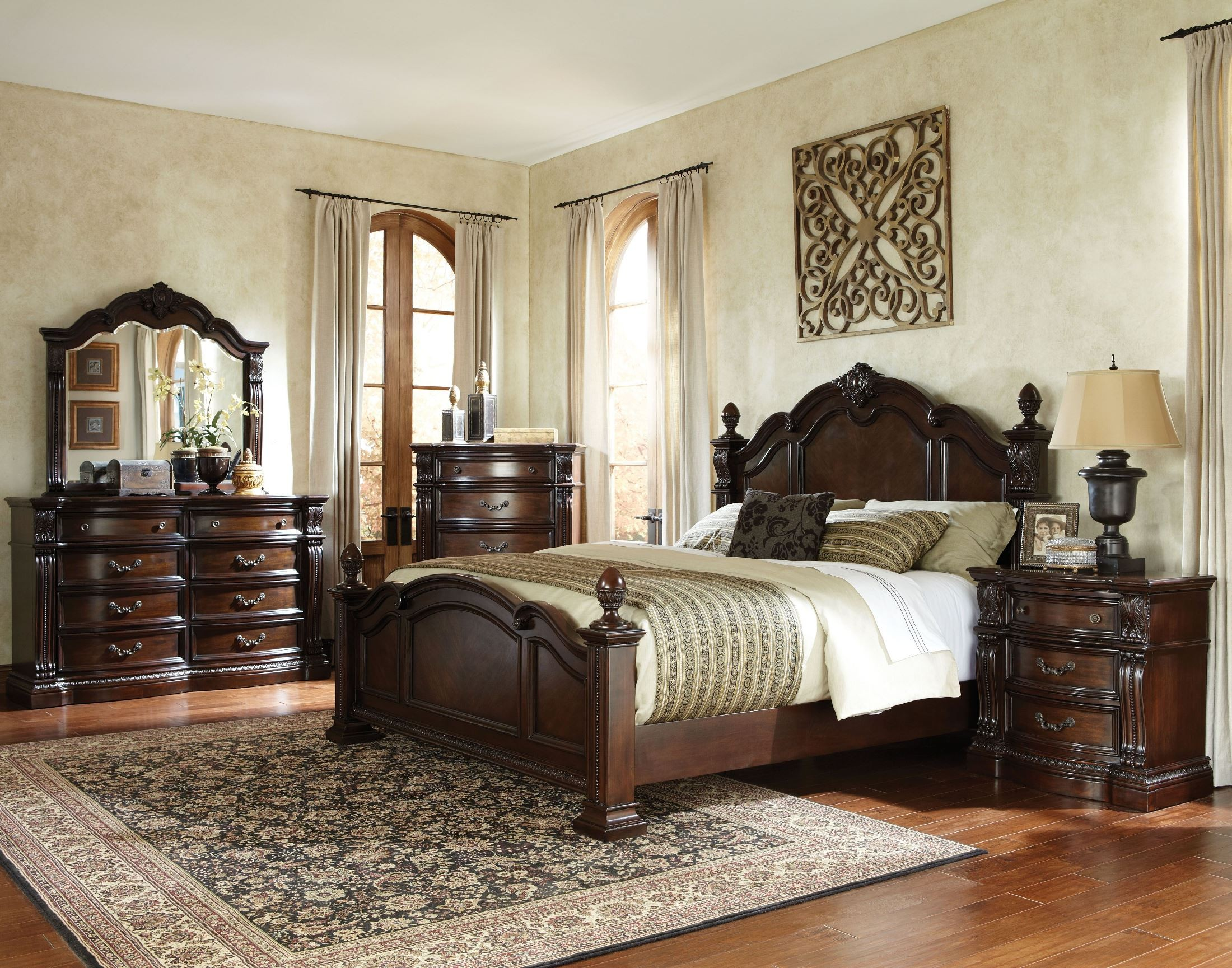 Churchill Cherry Poster Bedroom Set 86000 Standard Furniture