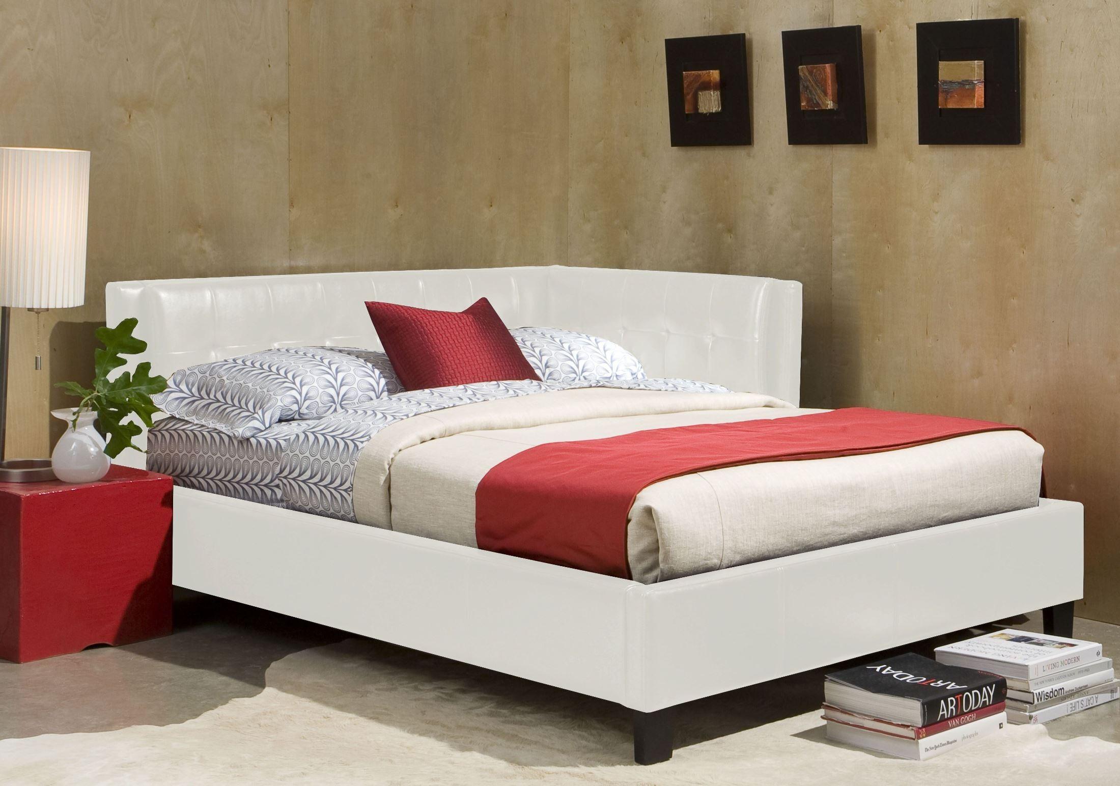 Rochester White Full Upholstered Corner Bed 920 83 84
