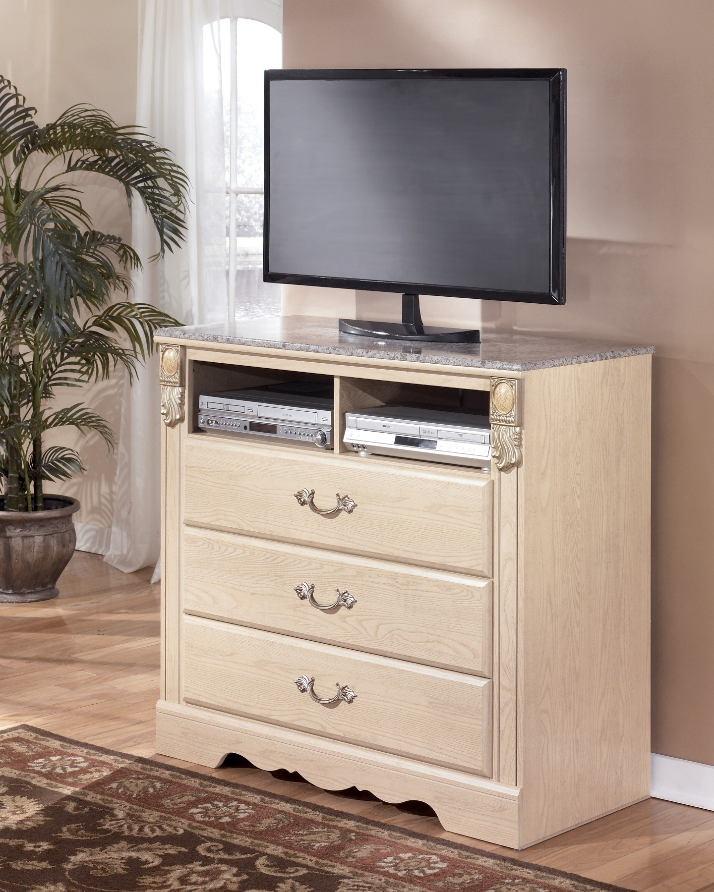 ashley furniture sanibel poster bedroom set b290 bedroom furniture