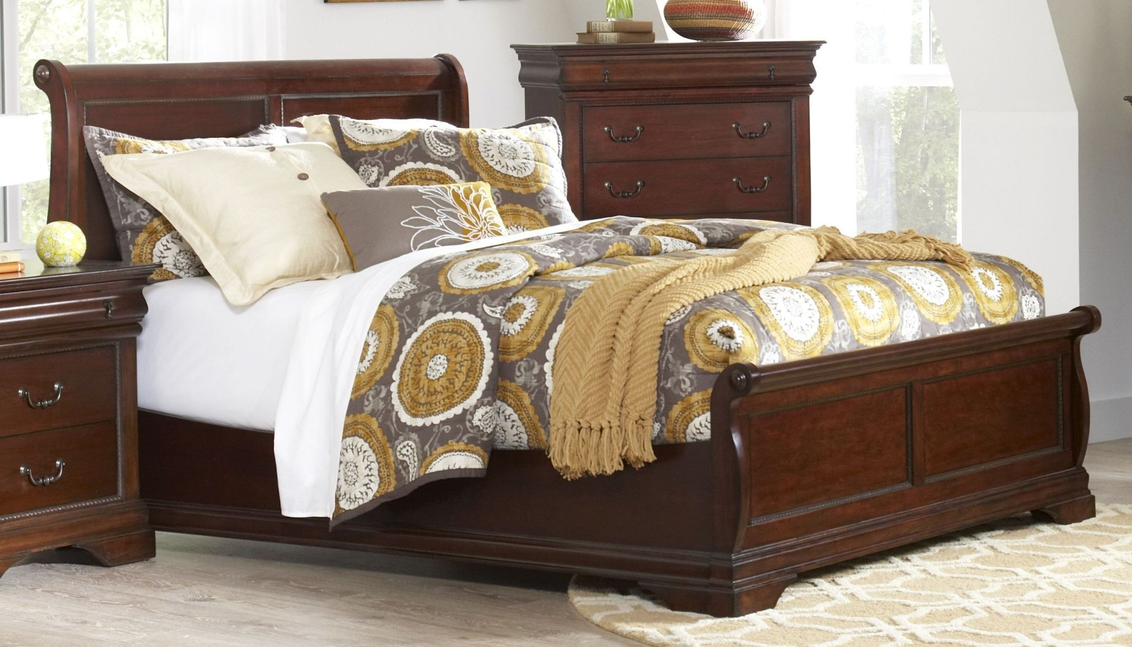Chateau Vintage Cherry King Sleigh Bed B4800 61h 61f 61r