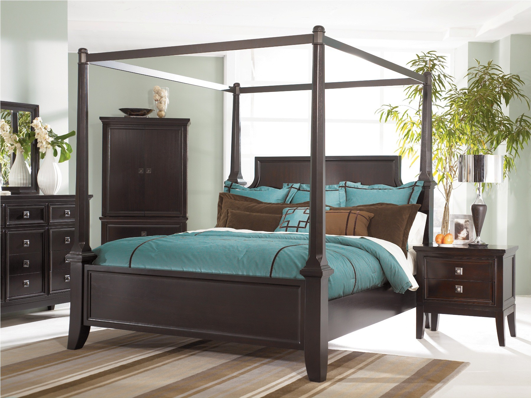 Martini Suite Cal King Canopy Poster Bed From Ashley B551 50 62 72 95 Coleman Furniture
