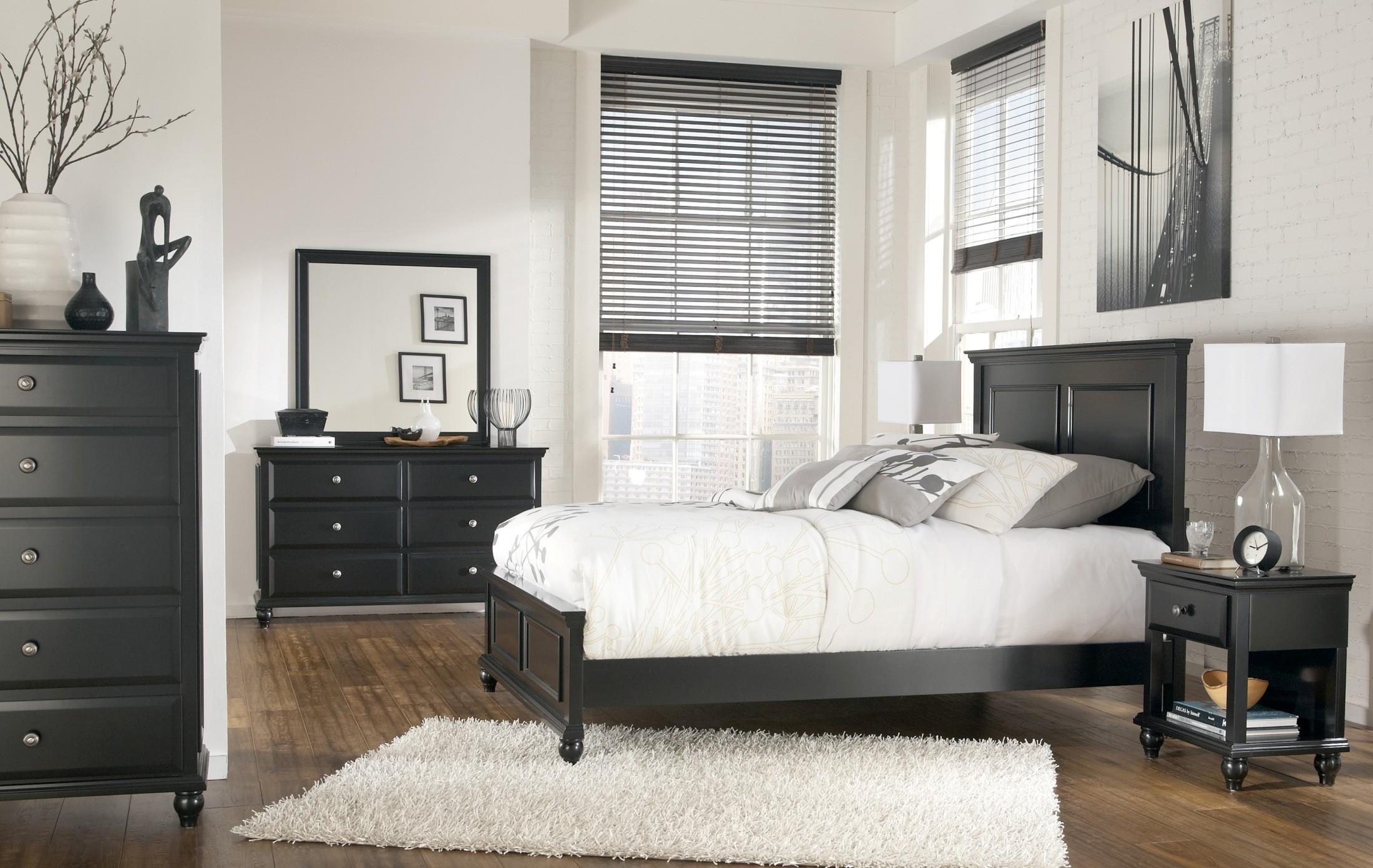 Ashley Furniture Owingsville Dresser